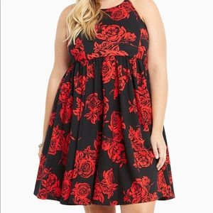 Torrid black w red roses 🌹
